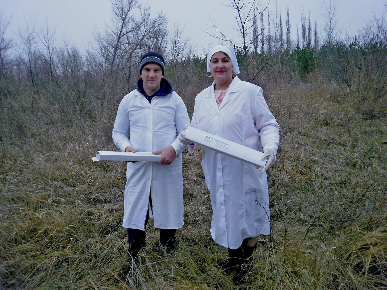 В Ростовской области ветврачи совместно с егерями разложили приманки с вакциной против бешенства для диких животных