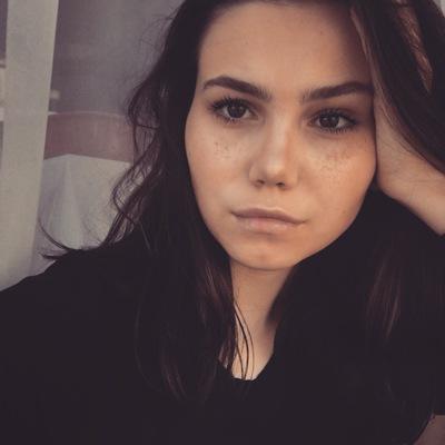 Настя Буракова