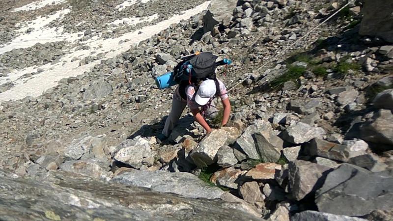Каменная осыпь перед перевалом Кара Джаш 28 07 2017