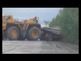 BelAZ and Komatsu - Death of the Titans. БелАЗы и Комацу - Смерть Титанов