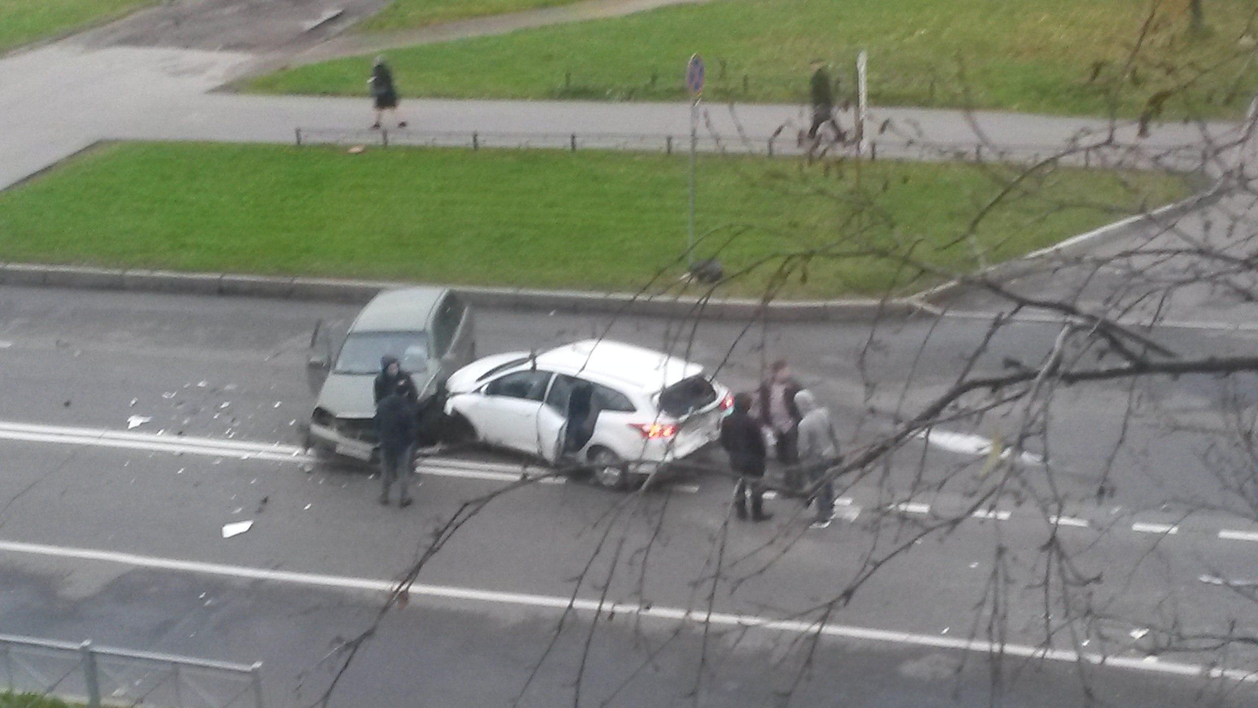 Наулице Лени Голикова случилось ДТП сучастием 3-х авто