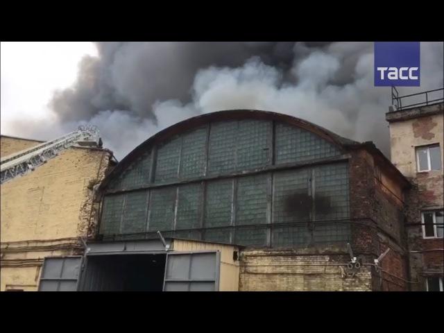 В Санкт-Петербурге горит Кировский завод
