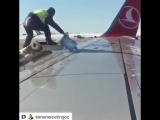 De Icing Turkish Airlines After snow storm