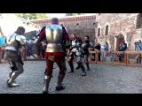 Танцующие рыцари в замке