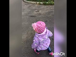 Прогулка с племянницей )