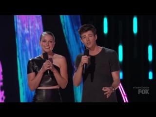 Melissa Benoist Wins Teen Choice Awards 2017