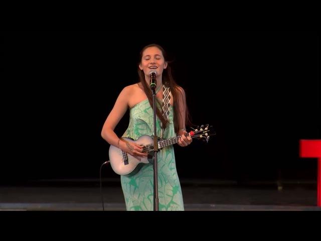 Sonidos de Hawaii   Taimane Gardner   TEDxPuraVidaJoven