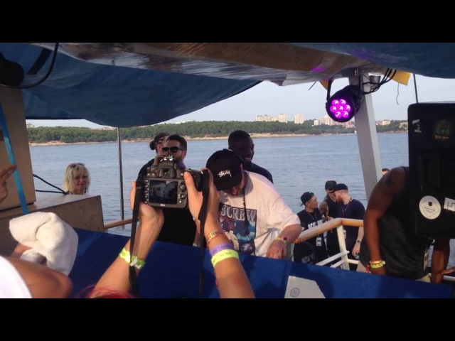 Neek drops Jamakabi Hot It Up Kahn Neek Remix at Deep Medi boat party