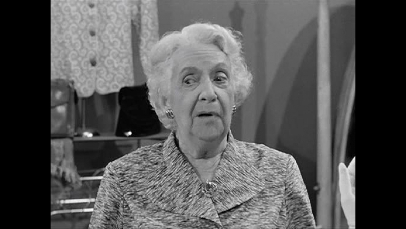 I love lucy s3ep02 - The girls go into business