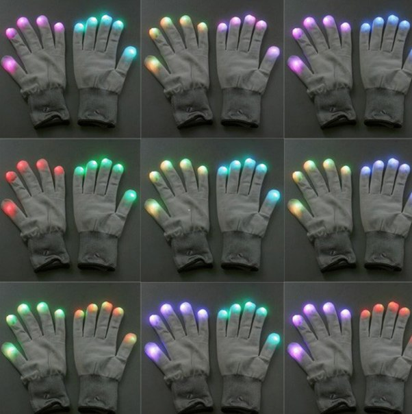 Светящиеся перчатки  https://ru.aliexpress.com/store/product/New-Flashing-Gloves-Glow-7-Mode-LED-Rave-Light-Finger-Lighting-Mitt-Toy-PTSP/1332014_32309799920.html?detailNewVersion=&categoryId=100001828