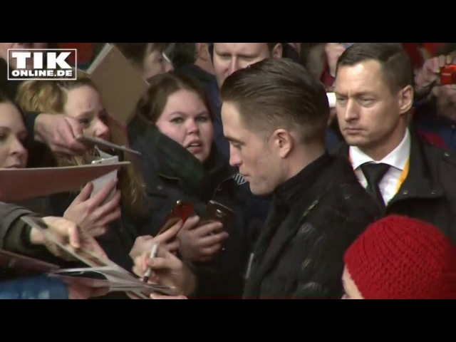 Robert Pattinson beglückt seine Fans in Berlin!