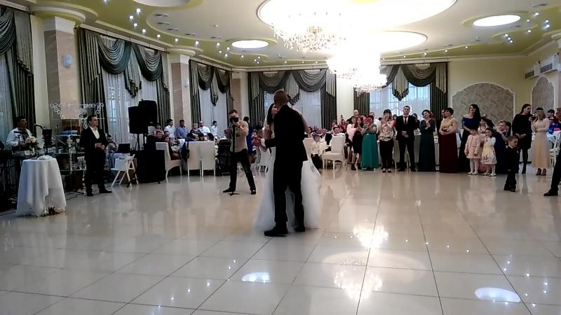 Танець Паші і Даші