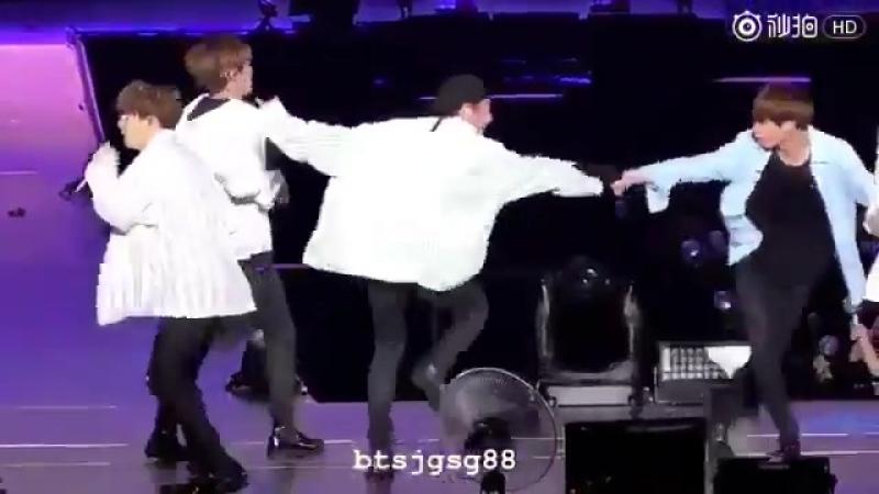 BTS - otsukare/WINGS тур в Сайтаме/ 2017/ cr. btsjgsg88