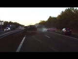 Автопілот Tesla вберіг водія від аварії