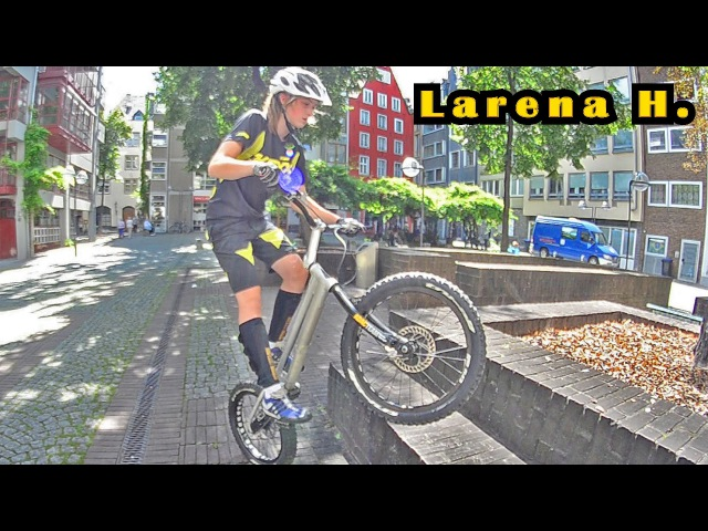 16 yo girl with amazing bike control - Larena Cologne