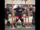 Эндрю Херберт, приседания 370 кг на 3 раза