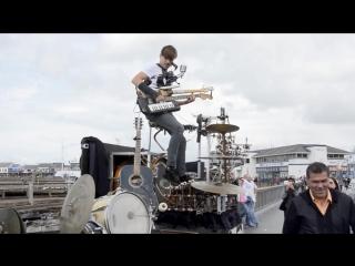 Когда хочешь играть рок, но нет своей группы