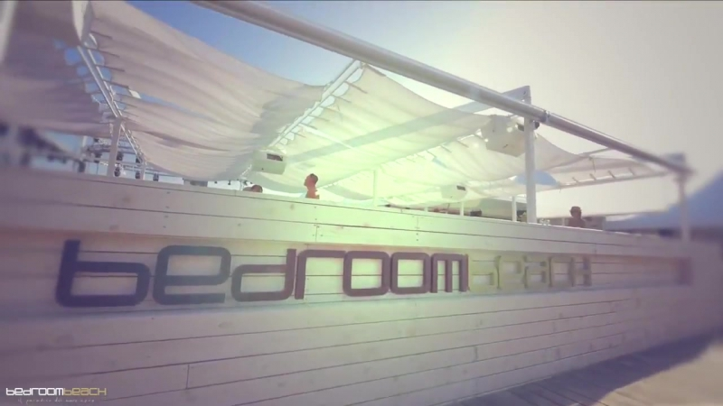 I Beach Bar di Sunny Beach …Bedroom Beach.qui i party iniziano già in spiaggia