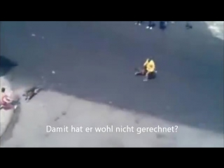 Idiot bewirft Hund Halter mit Steinen, wird dafür aber bestraft..mp4