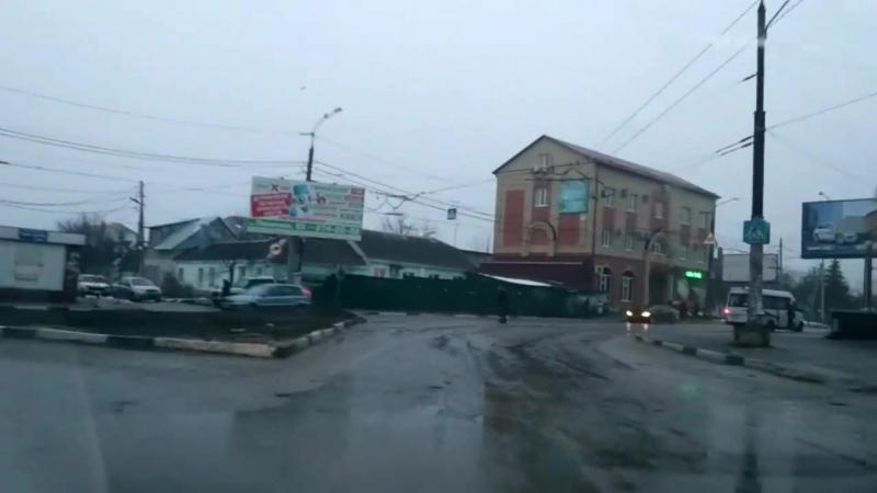 Лже-Активист Воронежа нарушает ПДД РФ