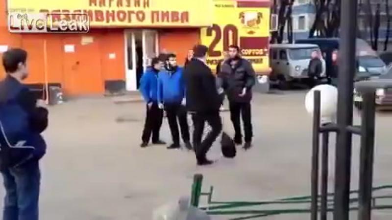 Злобные русские фашизды напали на невиновных гостей с Кавказа