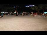 Танцы под русскую народную на улицах  Китая!