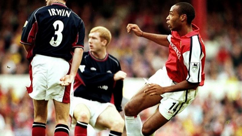 Неожиданный гол Тьерри Анри / Арсенал 1-0 МЮ, 01.10.2000