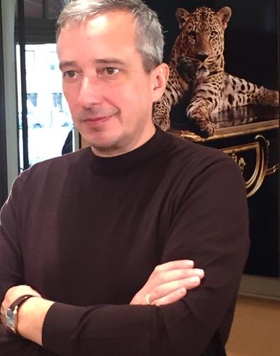 Аркадий Извеков