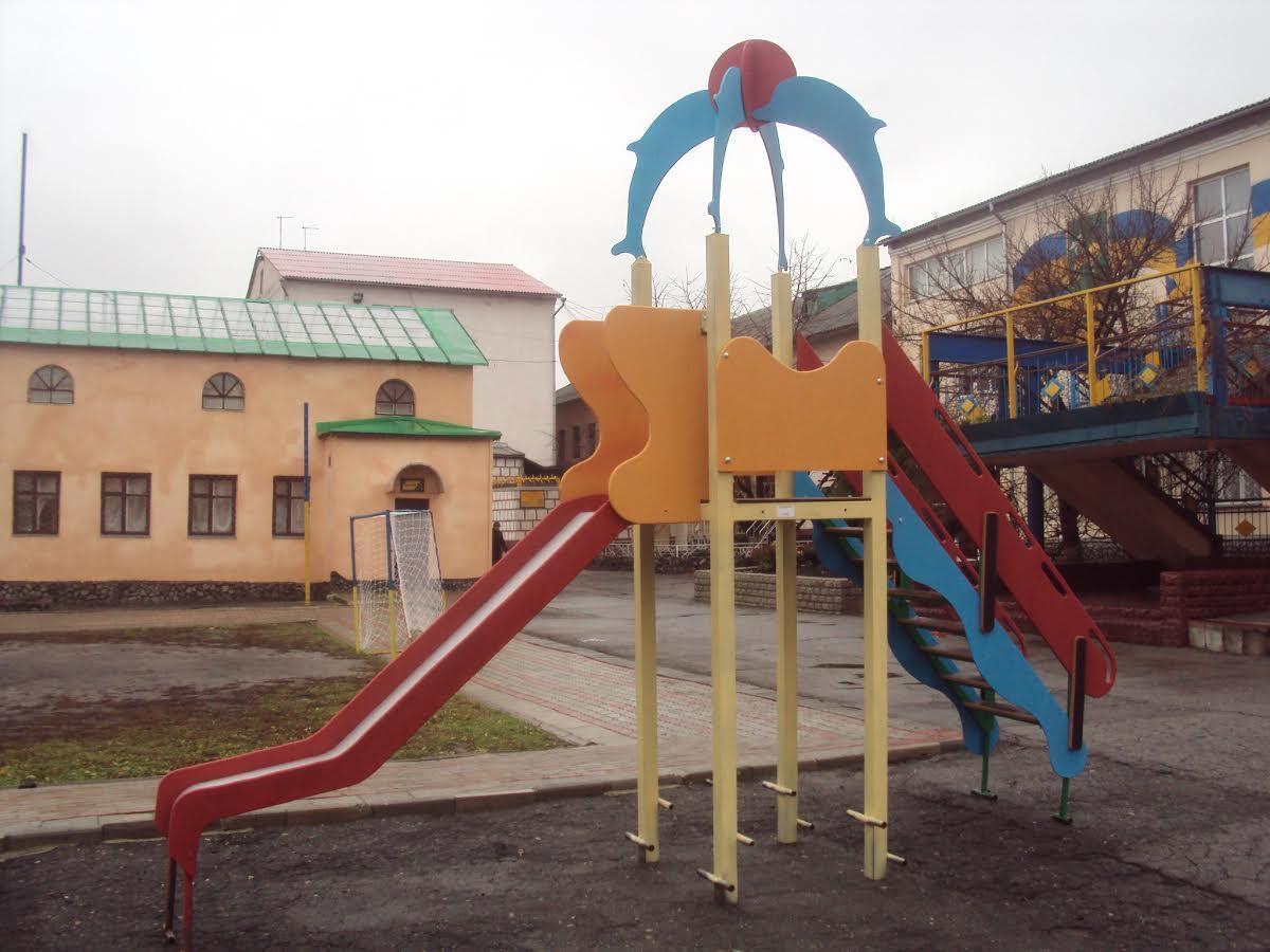 У Харкові в'язні будують дитячі майданчики (ФОТО) - фото 2