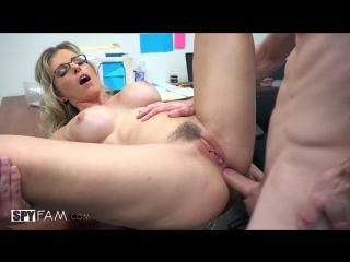 Начальница принудила трахнуть себя в попку порно видео