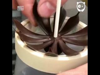 Нереальная скульптура из шоколада