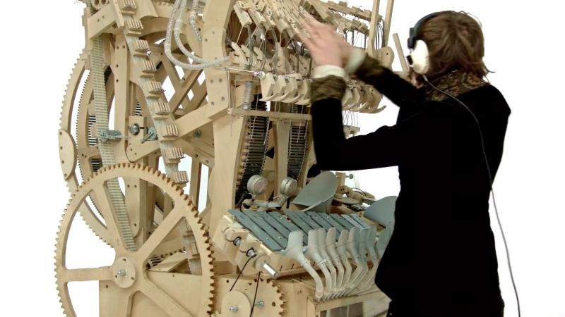 Marble Machine music instrument )