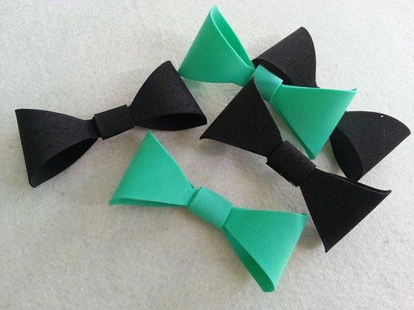 Гирлянда с бумажными бантиками