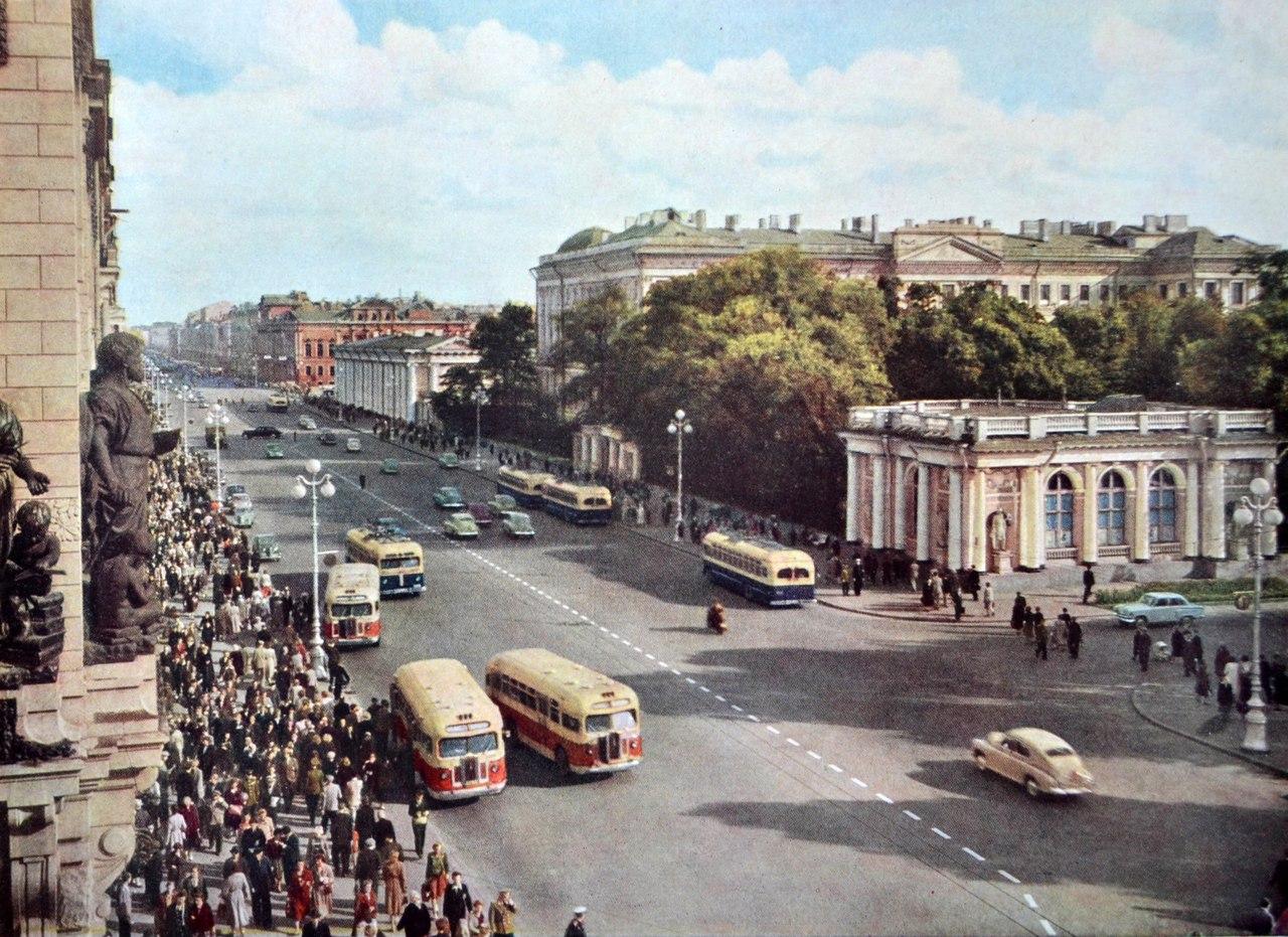 Невский проспект.  1957 г.