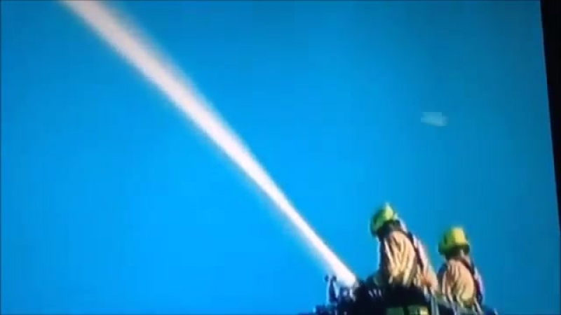 Footage shows a UFO passing at a huge speed near the Blazing Tower in London