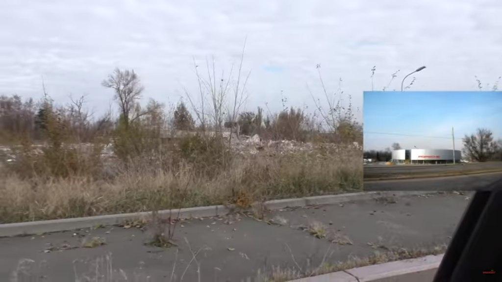 ДНРовцы пилят на металл бывшие автосалоны Донецка