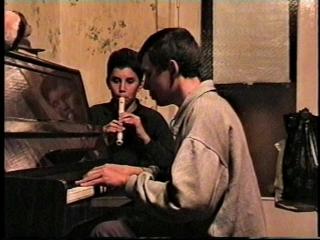 ДуэтАлёша (15лет) и Коля(13 лет) ТРОФИМОВЫ (фортепиано и блокфлейта). Песня