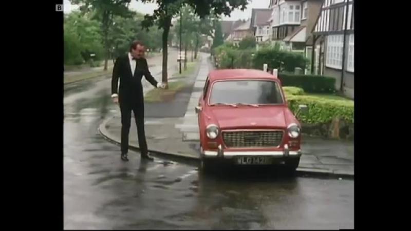 Basil (Джон Клиз) Attacks His Car - Fawlty Towers (Отель фолти тауэрс)- BBC