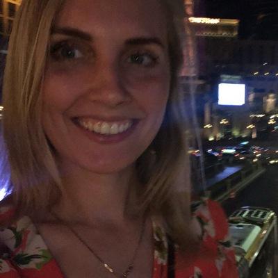 Наташа Воронова