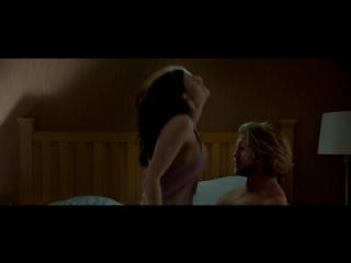 Alexandra daddario - the layover (2017) (эротическая постельная сцена из фильма знаменитость трахается голая sex scene)