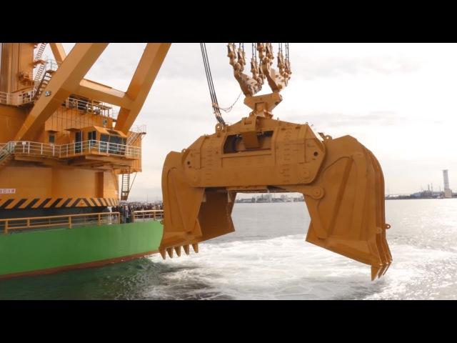 Самый большой экскаватор грейфер для углубления морского дна