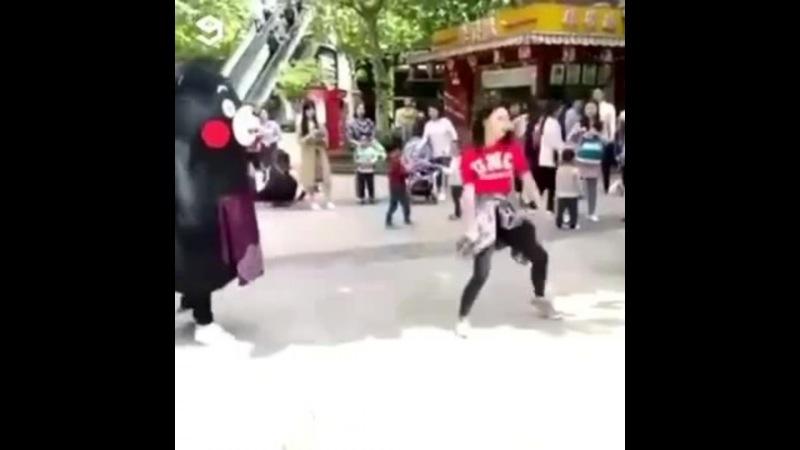 Mascot overtake