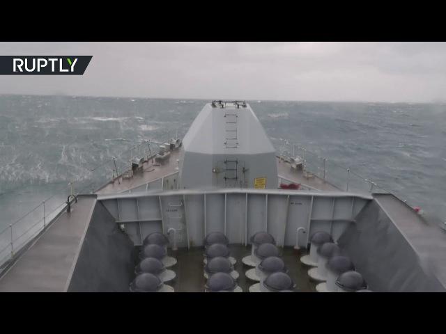 фрегат королевского ВМФ HMS «Westminster» (F237) сопровождает корветы ВМФ России Бойкий и Сообразительный в проливе Ла-Манш.