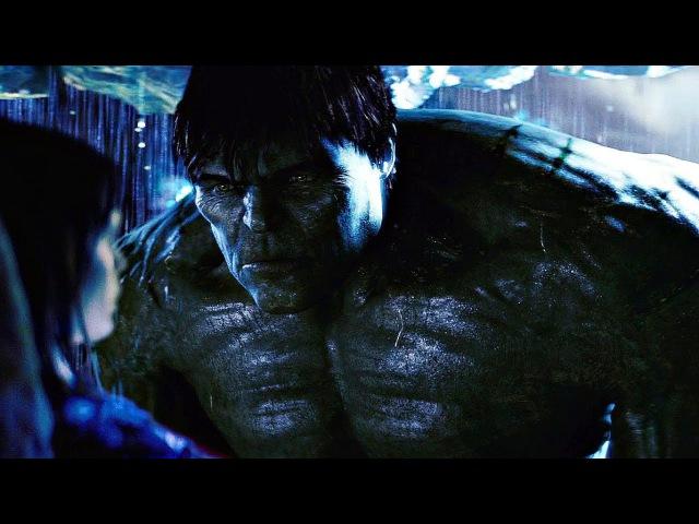 Халк защищает Бетти Росс от грозы в пещере. Невероятный Халк. 2008.