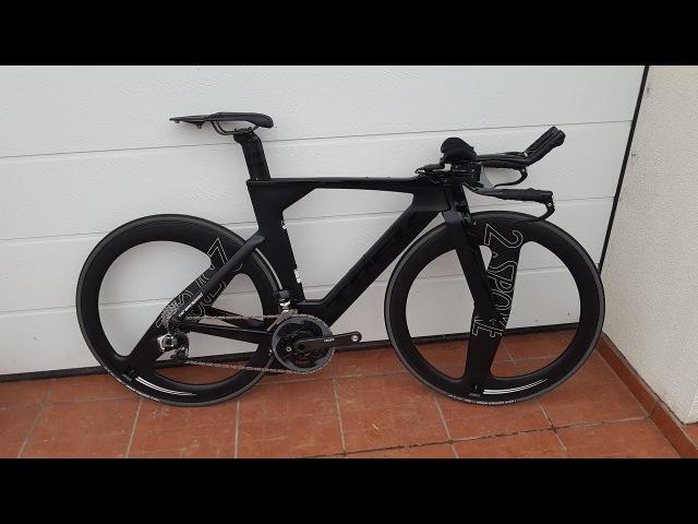 Trek Speed Concept custom build w. eTap and 2-Spoke wheels