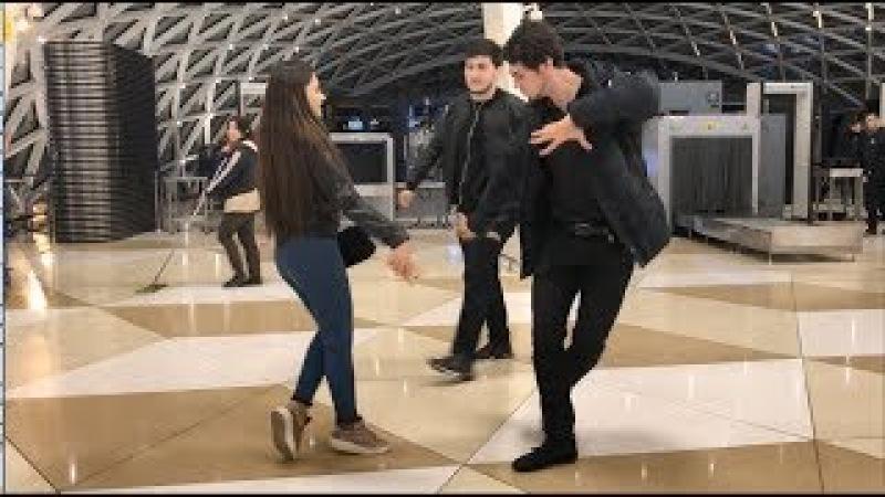 Чеченская Лезгинка В Аэропорту В Баку 2018 ALISHKA TERISHKA LEZGINKA