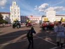 Минскому тракторному заводу - 71 год!!! Танцуют все!!!! Даже трактора!!!