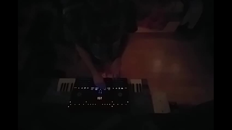 Kontrol s4 live mix 2
