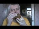 Новый способ поедание банана и хлеба — Геннадий Горин кушает банан и хлеб