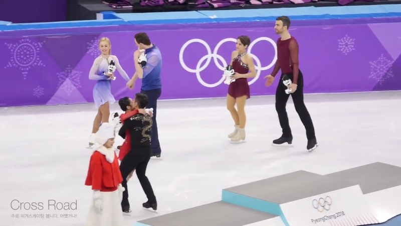 2018-02-15 Victory Ceremony Photo Time _ Olympic Pair _ (GER) (CHN) (CAN)